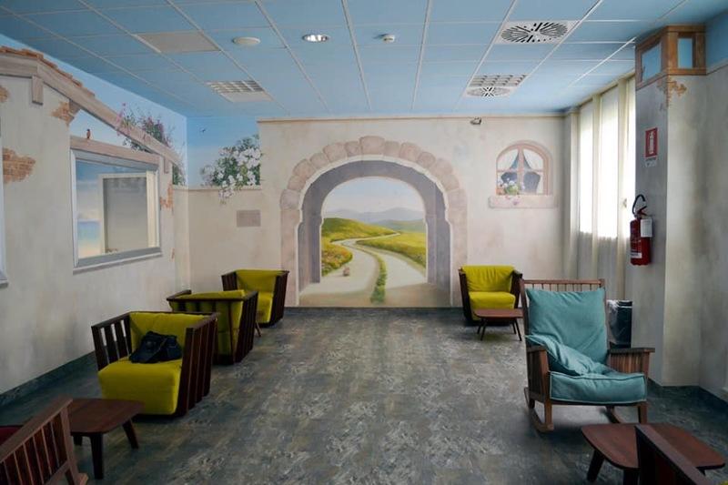 Immagine che mostra com'è lo spazio dedicato ai genitori all'interno dell'area della terapia intensiva neonatale al Niguarda