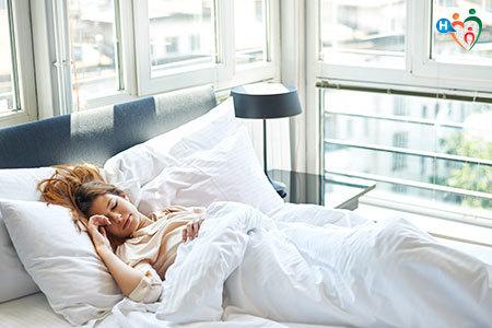 Immagine di una donna mentre riposa