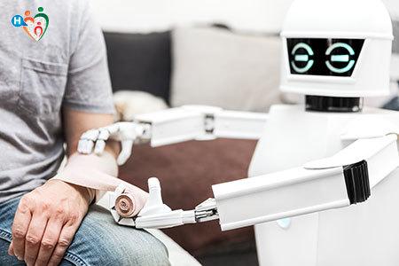 Immagine di un robot mentre medica un paziente