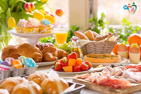 Immagine di una tavola imbandita con il pranzo di pasqua