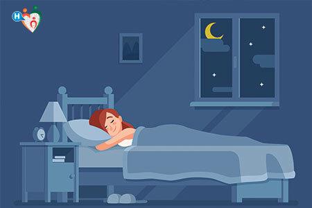 disegno di una ragazza a letto che dorme