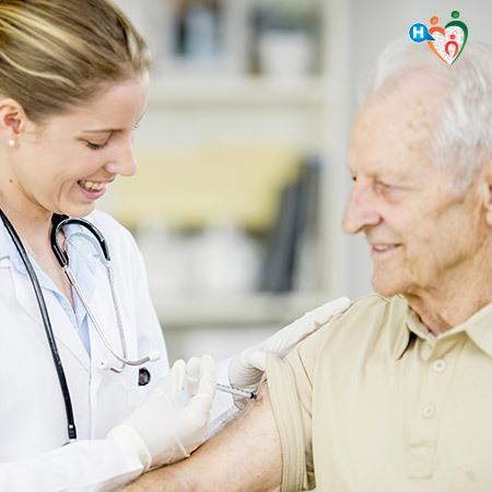 Vaccinazione antinfluenzale ad un anziano
