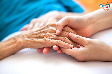 Immagine che raffigura mani che si tengono