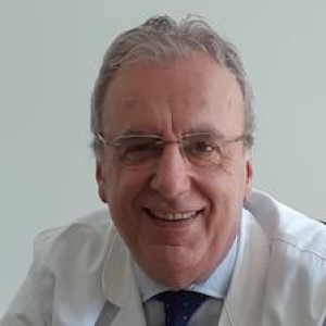 Fotografia che raffigura il volto di Luigi Sinigaglia