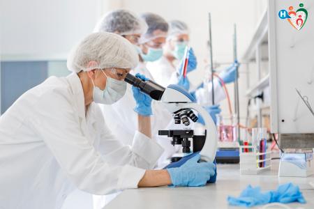 immagine che raffigura virologi in laboratorio