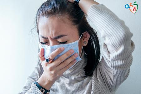 Fotografia di una donna con mascherina contro il coronavirus