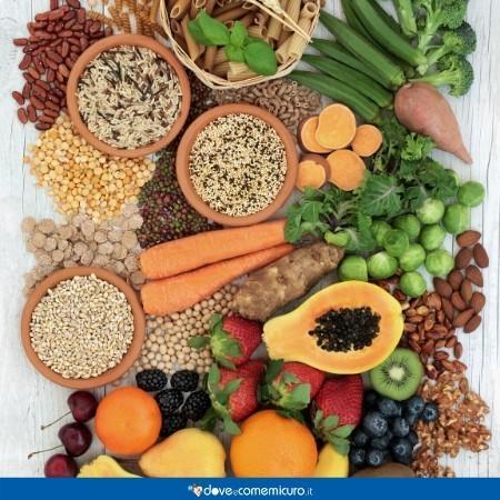 Immagine che ritrae cereali, frutta e verdura