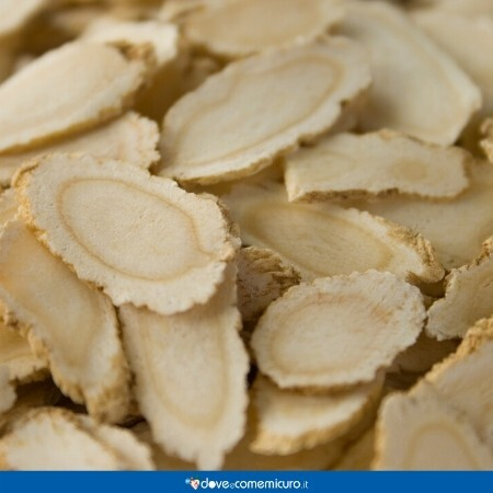 Immagine che mostra ginseng tagliato in fette sottili