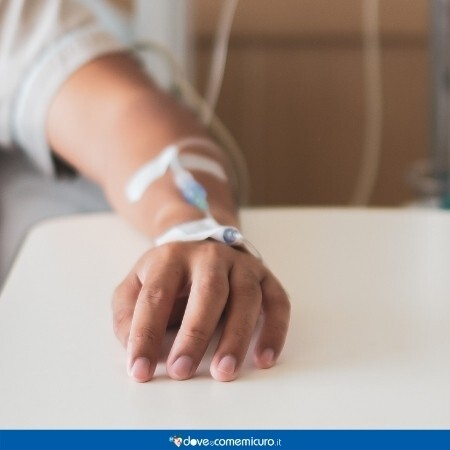 Immagine che mostra un paziente in chemioterapia