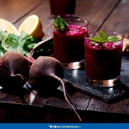 Immagine che rappresenta un utilizzo della Barbabietola rossa: un cocktail