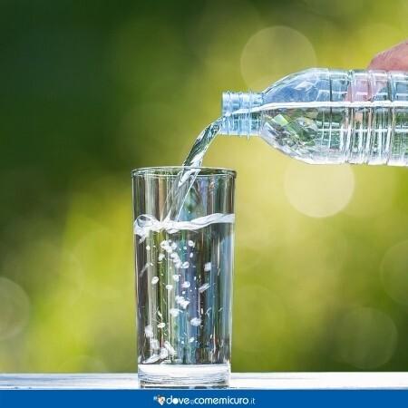 Immagine che rappresenta un biccherere che si sta riempiendo d'acqua