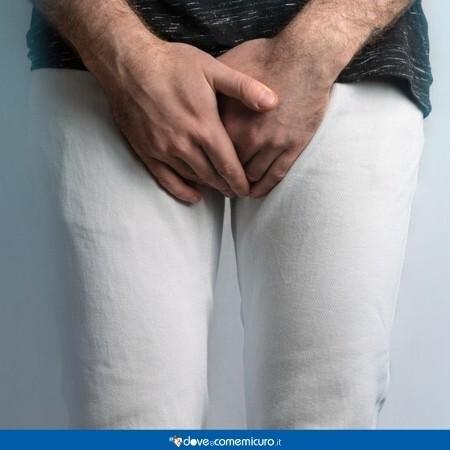 Immagine che rappresenta un uomo con dolori alla prostata
