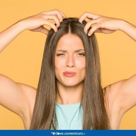 Immagine che rappresenta una donna che si gratta la testa
