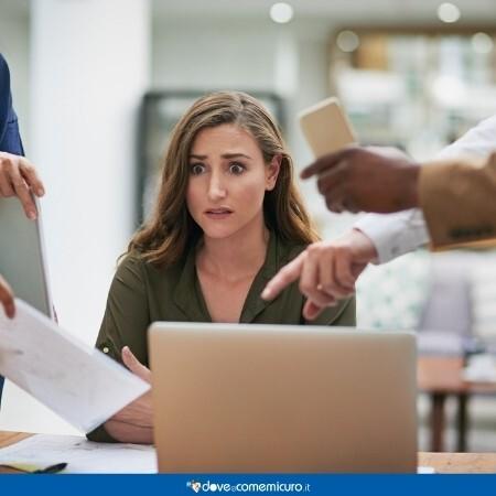 Immagine che rappresenta una donna impegnata al lavoro