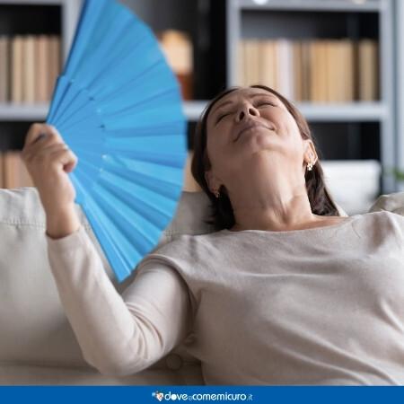 Immagine che rappresenta una donna in menopausa