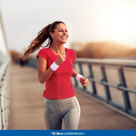 Immagine che rappresenta una donna che sta facendo esercizio fisico