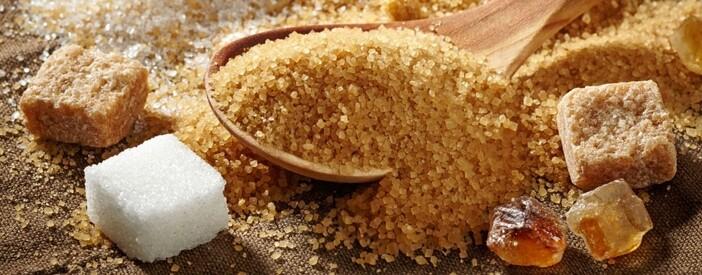 Zucchero bianco o di canna: dosi, differenza e calorie