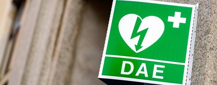 Defibrillatore (DAE) cardiaco e sottocutaneo: come funziona e quando si usa?