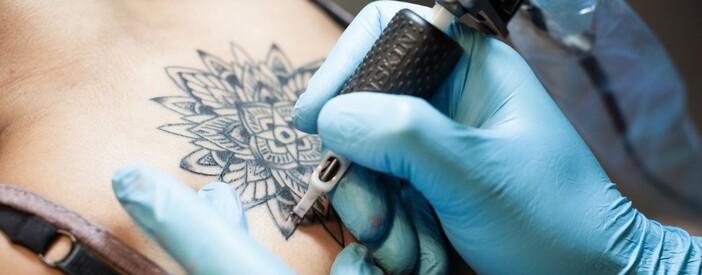 Tatuaggi: controindicazioni e rischi