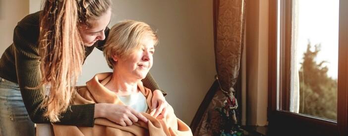 Come assistere un anziano? I consigli per il caregiver