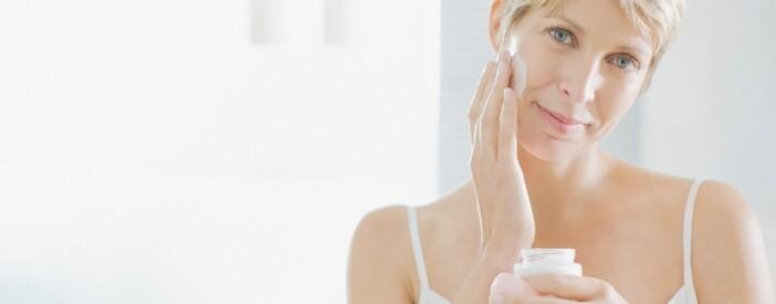 Creme per il viso in menopausa: perché scegliere il collagene?