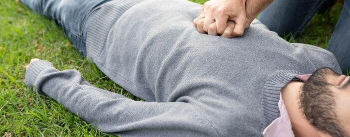 La rianimazione cardiopolmonare: se una persona è in arresto cardiorespiratorio