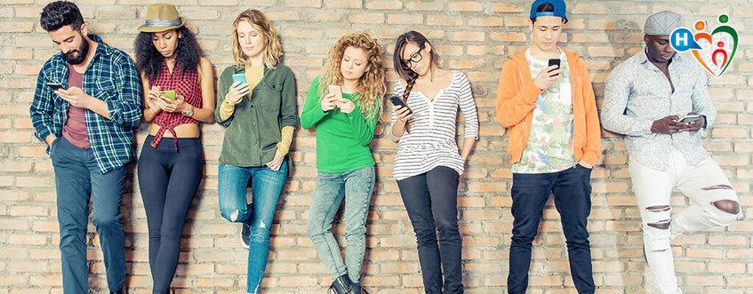 Gli adolescenti subiscono gli Smartphone