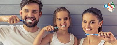 Lavarsi bene i denti: le regole da seguire